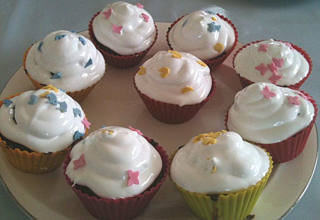 Cupcakes chocolat glacage meringue et d co animaux en sucre blog univers cake - Glacage cupcake facile ...