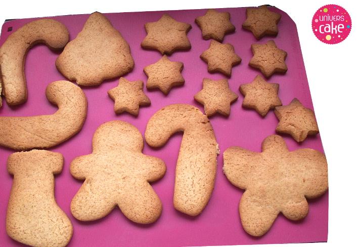 biscuit-pain-epice-sur-tapis-cuisson