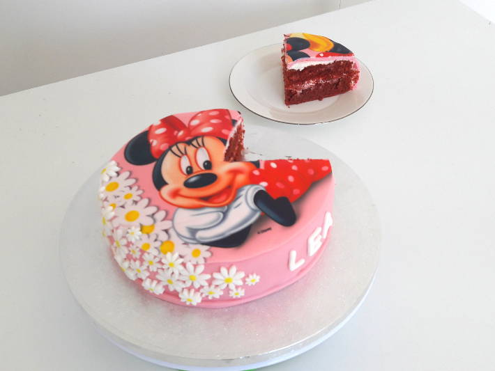 gateau-anniversaire-minnie-red-velvet-cake