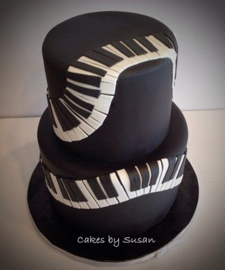 cakes-by-susan_cakes-decor_gateau-clavier-piano-pate-a-sucre