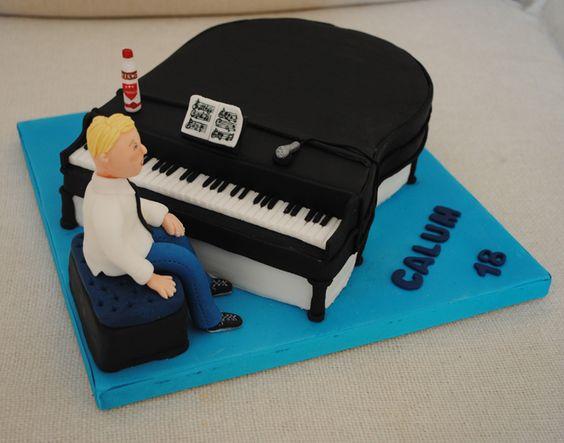 gateau-piano-cake-design-cadeaux-pour-musiciens