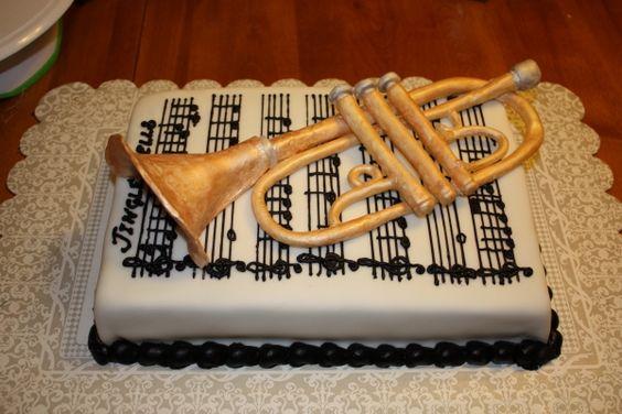 gateau-trompette-sur-partition_cakecentral
