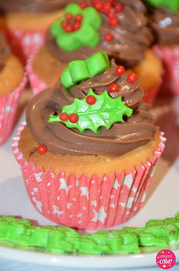 Décoration Cupcakes De Noël En Pate A Sucre Et Chocolat à Modeler