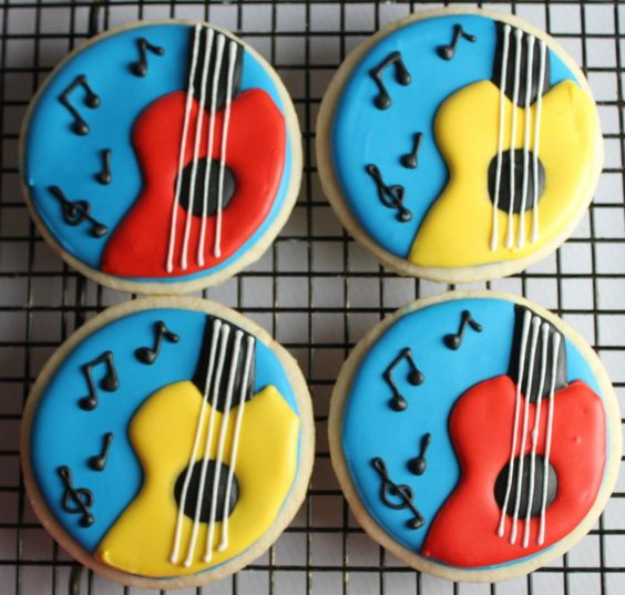 biscuits-ronds-guitare-glacage-royal